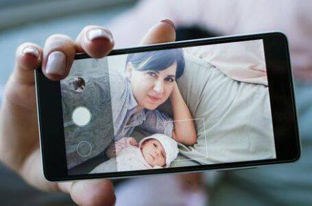 Zašto roditelji objavljuju fotografije djece na društvenim mrežama?