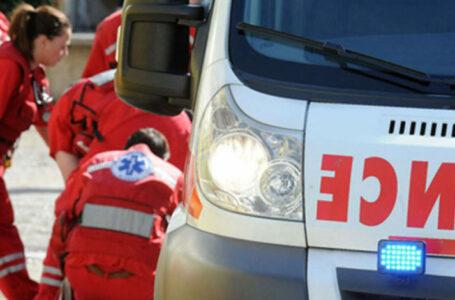Pacijent ispao iz sanitetskog vozila, udario glavom i preminuo